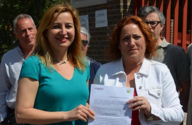 María del Carmen Pérez y Carmen Lizárraga.