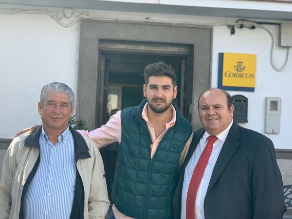 José Robles se ha reunido con el alcalde de Huétor Santillán.