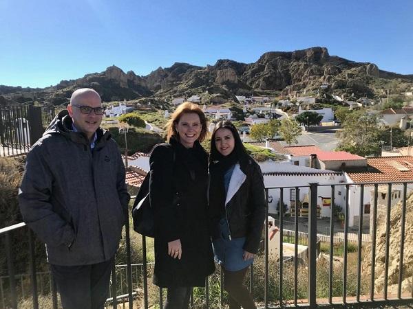 Mar Sánchez con Raúl Fernández y Marga Alcalá.