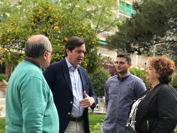 Pablo Hispán con Rosa Fuentes, Rafael Caracuel y Antonio Ayllón.