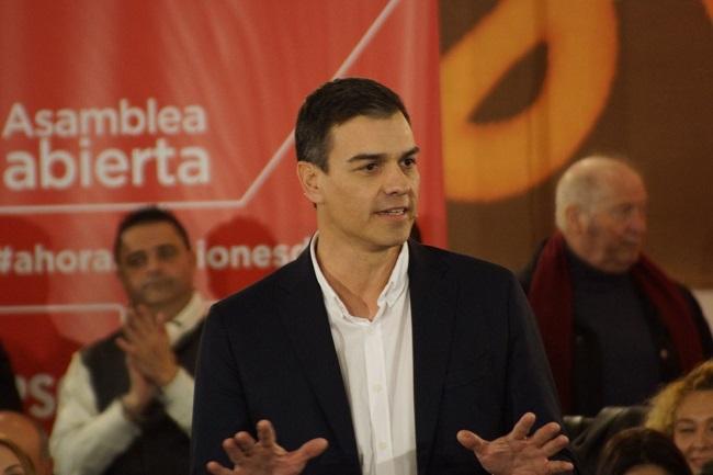 Pedro Sánchez durante su intervención en Granada.