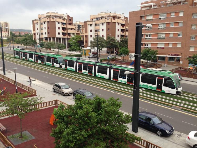 Los ensayos del metro se ampliarán hasta La Caleta.