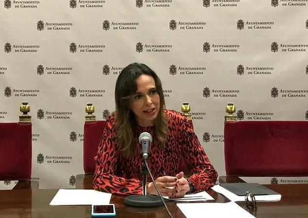 Rocío Díaz en una rueda de prensa en el Ayuntamiento.