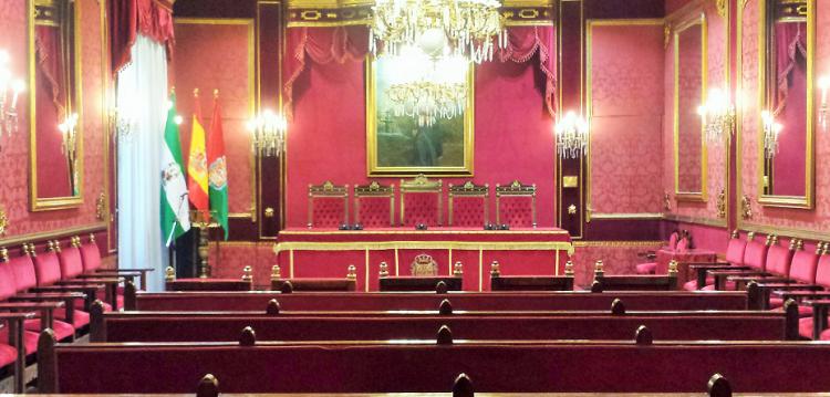 Salón de plenos del Ayuntamiento de Granada.