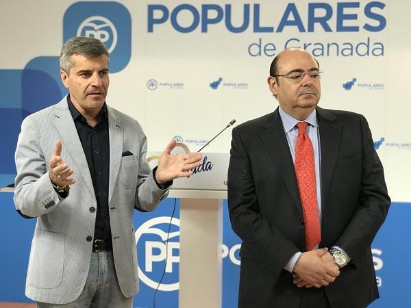 Sebastián Pérez y César Díaz en la presentación de la iniciativa.