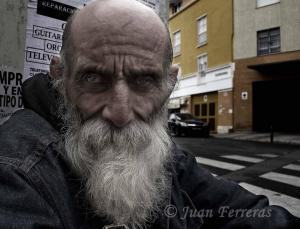 Ángel, de 64 años.