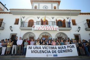 Concentración en Las Gabias, tras el último feminicidio en España.