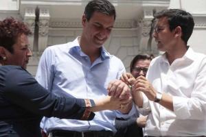 Sánchez, junto a Cuenca y Jiménez en una de las visitas del líder socialista a Granada.