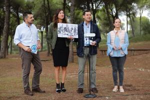 Juanma Moreno, junto a otros líderes del PP Andaluz.