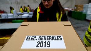Recogida de material electoral.