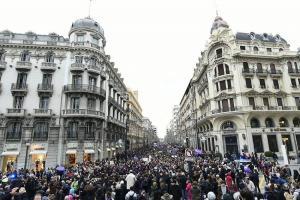 Impresionante imagen que muestra la multitudinaria manifestación feminista de Granada.
