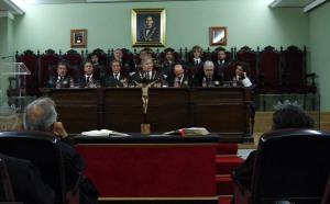 Acto de juramento de los últimos letrados incorporados al Colegio.