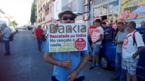Un activista, esta mañana en Peligros.