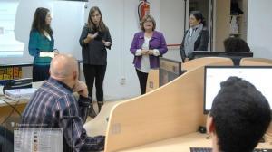 El curso está apoyado por intérpretes de lengua de signos.