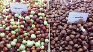 Frutos de otoño en el mercadillo de Puerta Real.