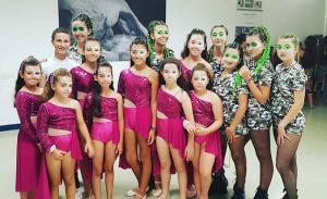 Equipo granadino de bailarinas, en Roma.