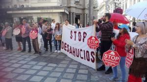 Concentración este jueves frente a la oficina de Bankia en Puerta Real.