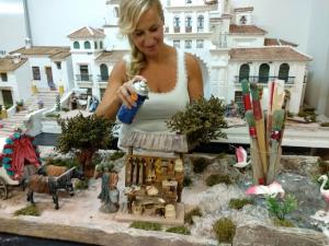 La artesana Maika Gómez, en plena tarea.