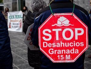 Protesta ante la sede de la Rural en la Acera del Darro.