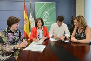 Sánchez Rubio y Peñalver durante la firma del convenio.