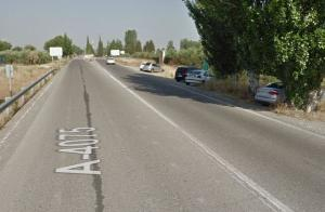 Carretera A-4075, que conduce al Aeropuerto.