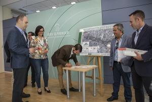 Presentación y firma del inicio de las obras de la depuradora.