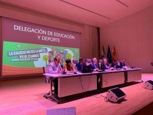 Castillo se ha reunido con directores de los centros de la provincia.