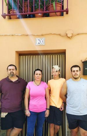 Familia afectada por el desahucio.