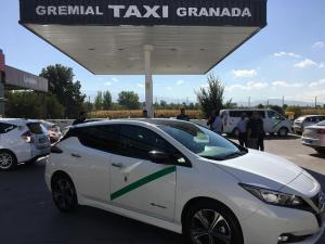 Taxi totalmente eléctrico presentado este lunes.