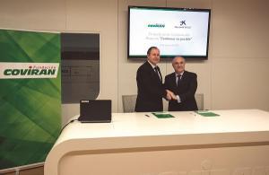Firma del acuerdo entre Covirán y 'la Caixa'.