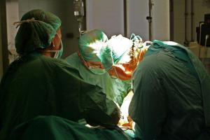 Intervención quirúgica.