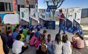 Uno de los talleres en el colegio de Nevada, en la Alpujarra.