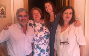 El autor con la familia de Virgilio Castilla.