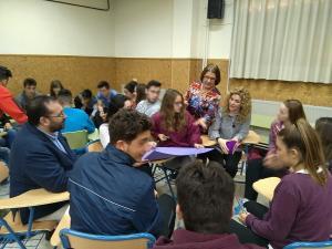 La guía se ha presentado este jueves en el IES Alhambra.