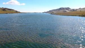 Laguna Hondera, la más grande de Siete Lagunas, en Sierra Nevada.