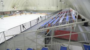 Interior del palacio de hielo de Pulianas.