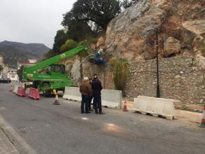 Trabajos de estabilización de la ladera en Otívar.