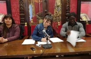 Firma del convenio con Granada Acoge.