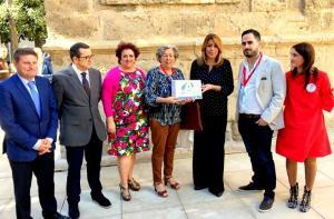 Susana Díaz con representantes del PSOE granadino.