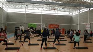 Abrumadora presencia femenina en las sesiones de fitness.