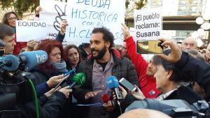 Jesús Candel atiende a los periodistas en una concentración celebrada en febrero.