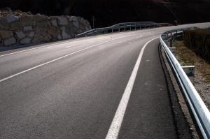 Nuevo asfaltado en la carretera GR-5103.