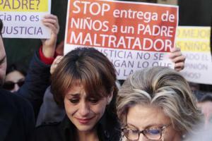 Juana Rivas, en una concentración en Maracena en su apoyo.