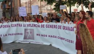 Concentración de apoyo a Juana Rivas, el viernes en Maracena, tras conocerse el fallo.