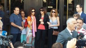 Juana Rivas con su familia, a la salida de los Juzgados, en una imagen de archivo.