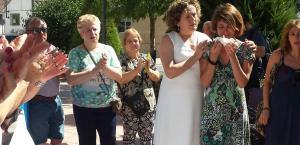 Juana Rivas junto a Francisca Granados el año pasado antes de huir con sus dos hijos.