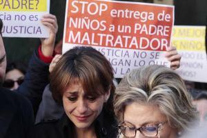 Juana Rivas, en una de las concentraciones en su apoyo.