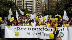 La manifestación en la Avenida de Andaluces.