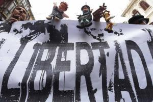 Una de las manifestaciones en apoyo a los titiriteros de Granada.