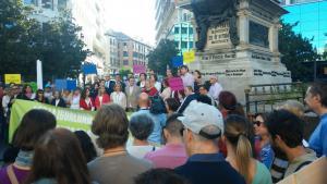 Lectura del manifiesto en la Plaza Isabel La Católica.